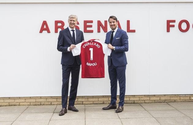 Cavallaro Napoli_Signing with Arsene Wenger 2