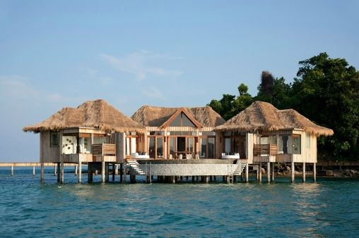 Chalet-Floating-On-The-Water