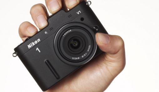 De Nikon 1 camera's vanaf vandaag te koop