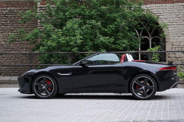 Jaguar_F-Type_S_black_1