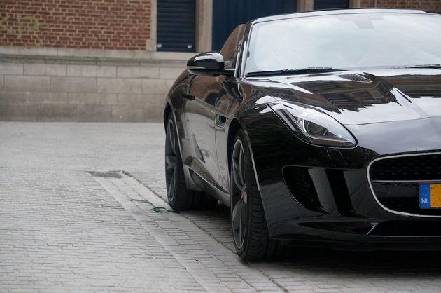 Jaguar_F-Type_S_black_3