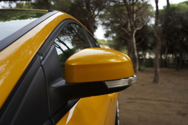 Ford_Focus_ST_yellow4