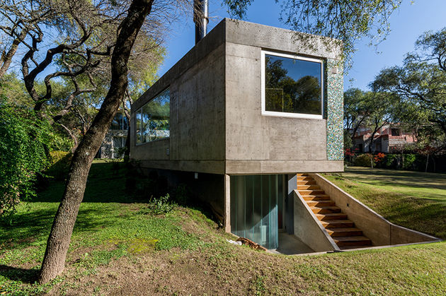 grupo-urban-casa-del-bosque-forest-house-cordoba-argentina-designboom-04