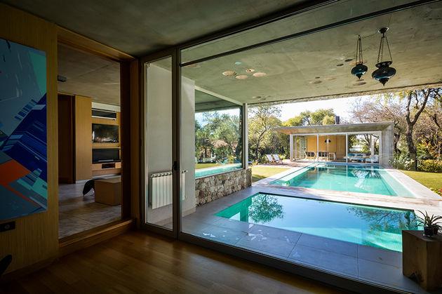 grupo-urban-casa-del-bosque-forest-house-cordoba-argentina-designboom-05
