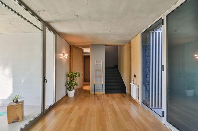 grupo-urban-casa-del-bosque-forest-house-cordoba-argentina-designboom-07