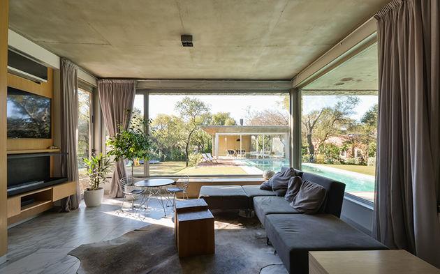 grupo-urban-casa-del-bosque-forest-house-cordoba-argentina-designboom-08