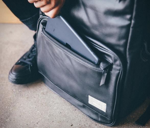 hex-sneaker-backpack-2