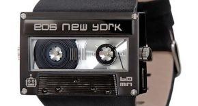 Horloge met Cassettebandje Design