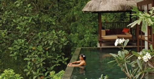 Infinity-Pools-at-Ubud-Hanging-Gardens-Luxury-Hotel-Resort-in-Bali-Indonesia-6