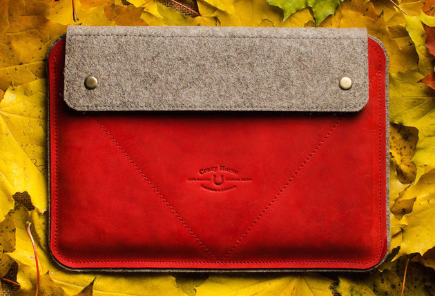 Leather-Macbook-Case-red-Wool-Felt-4