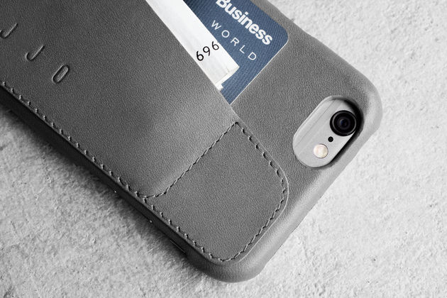 Leather-Wallet-Case-80°-for-iPhone-6-Gray-Lifestyle-501