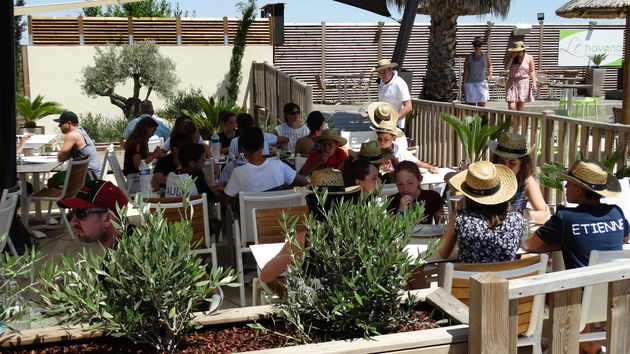 Lunchen op vakantiepark Sunêlia Domaine de la Dragonnière