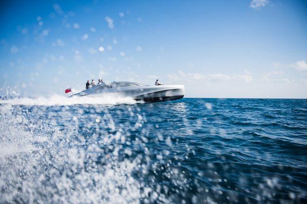 mercedes-benz-yacht-01-960x640