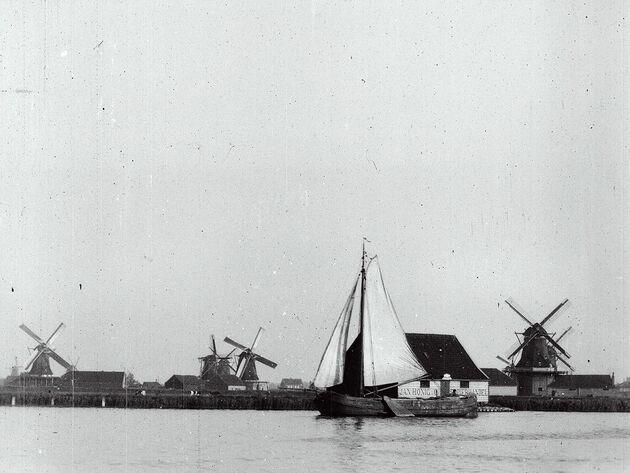 mills_from_the_zaanstreek_molens_van_de_zaanstreek_gb_nl_1898_c_eye_filmmuseum