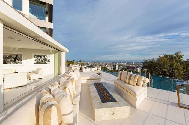 Moderne-Mansion-Hollywood-4