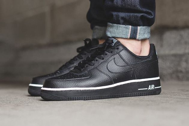 nike-air-force-1-low-black-black-1