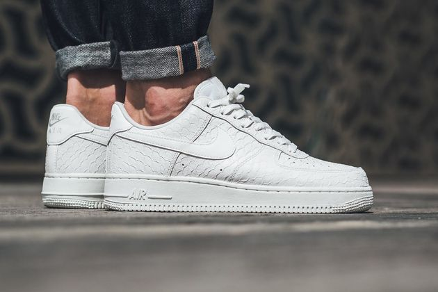 nike-air-force-1-triple-white-textured-leather-1
