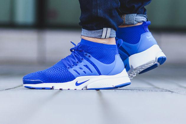 nike-air-presto-ultra-flyknit-black-blue-sneakers-111111