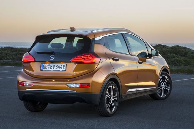 Opel_Ampera-e-10