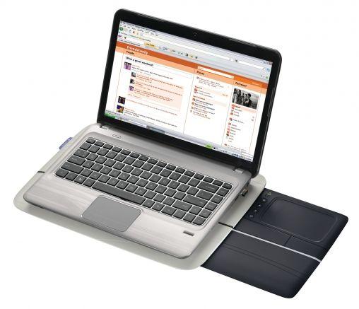 orig_Whizpr - Logitech Touch Lapdesk N600 met laptop