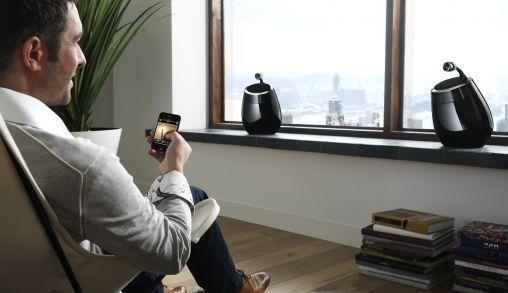 Philips Fidelio SoundSphere dockingspeakers met Apple AirPlay