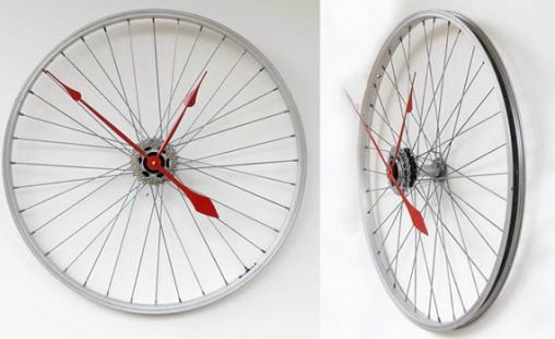 Recycled-Bike-Wheel-Clock-via-coolmaterial