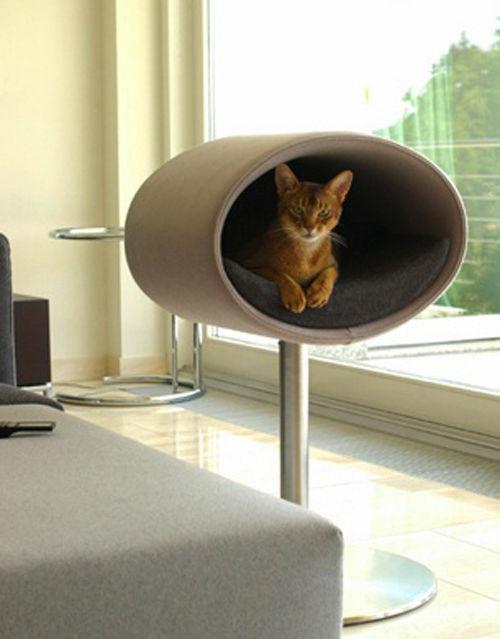 Rondo Cat Stand