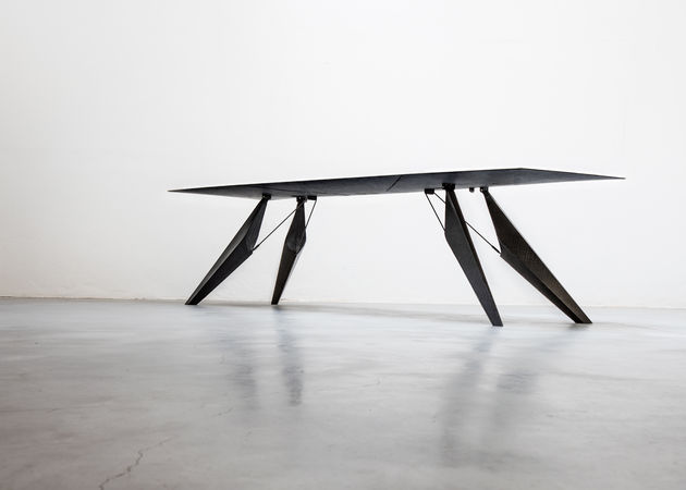 SmartSlab-Table-by-Kram-Weisshaar-for-Iris-Cermica-dezeen-1568