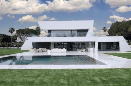 Sotogrande-House-00-0-750x497