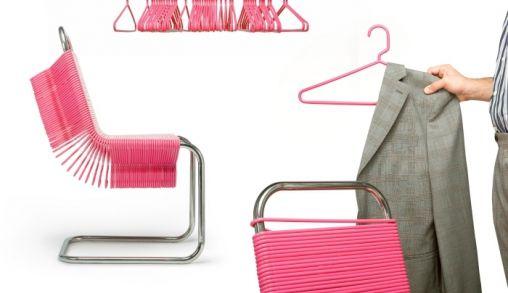 Stoel van Plastic hangers
