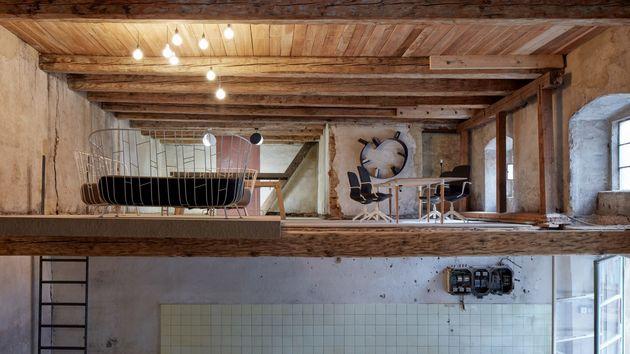 the-distillery-kogaa-studio-interiors-offices-czech-republic-co-working_dezeen_hero-1-1704x958