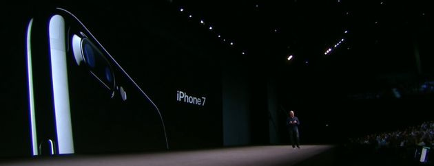 Tim_cook_Iphone_7