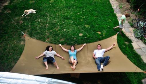 Ultiem ontspannen op de Mega Hammock van 2,5 bij 7,5 meter!