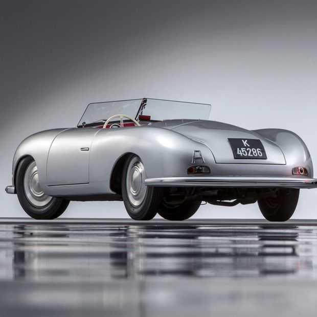 Porsche viert 70 jaar aan sportwagens in stijl