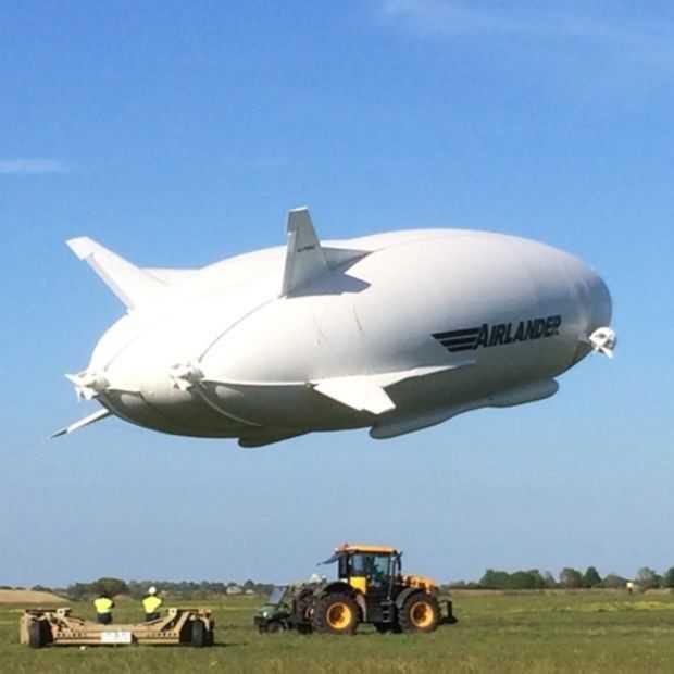 De Airlander hybride zeppelin is het grootste luchtvaartuig ooit