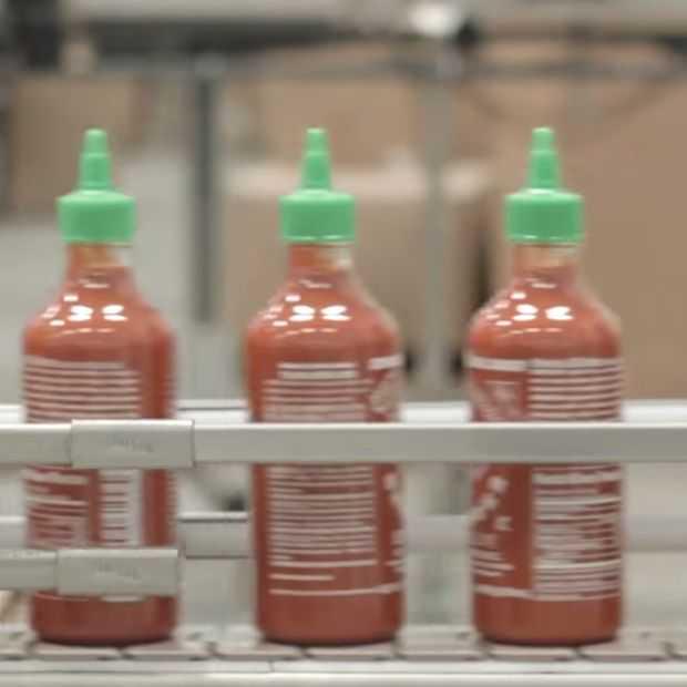 Een kijkje in de hot chili Sriracha fabriek!