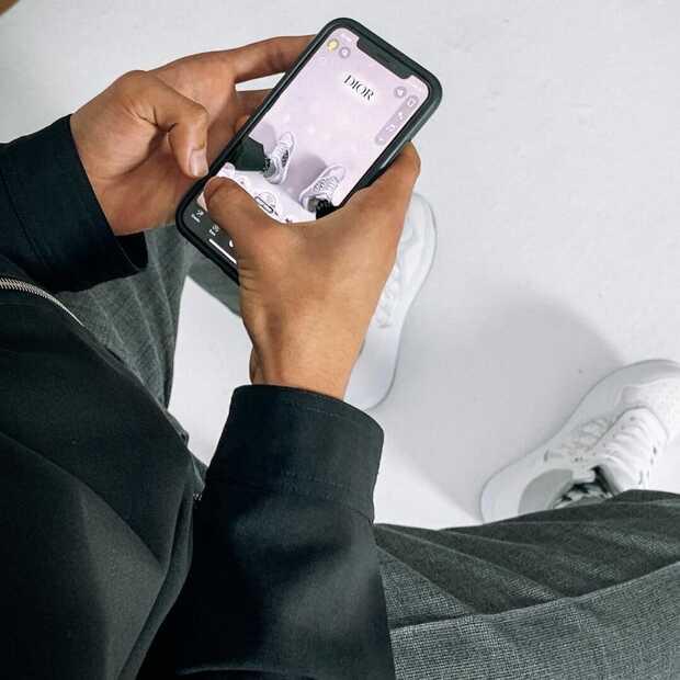 Nieuwe sneakers van Dior kun je passen via Snapchat