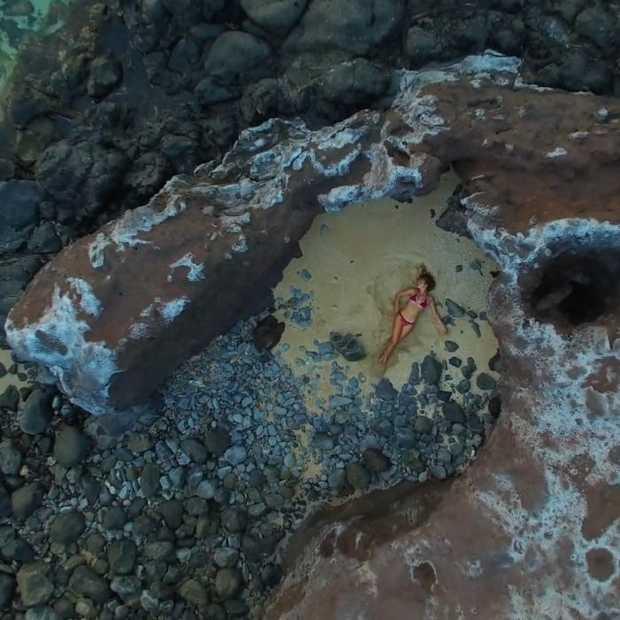 Door deze surfvideo op Hawaï krijg je sowieso zin in de zomer!