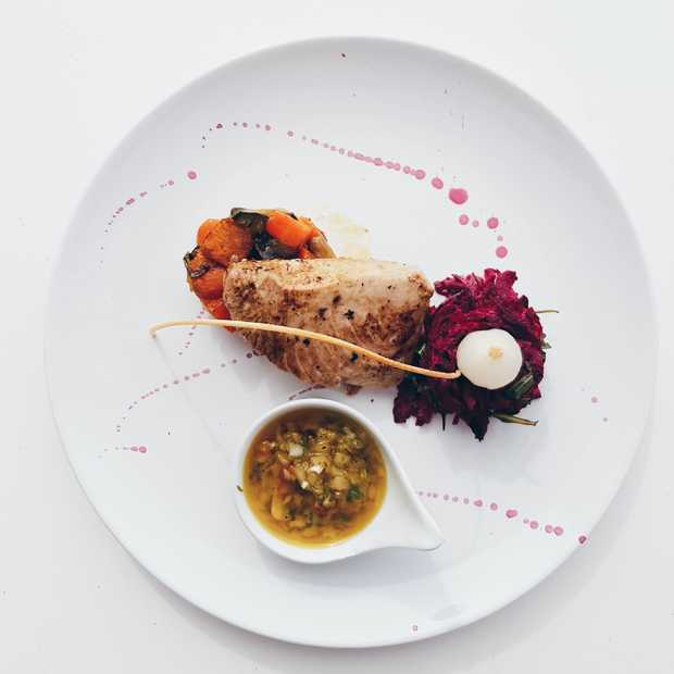 Het Instagram account Rate My Craving probeert bizarre eetcombinaties uit
