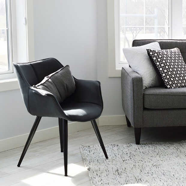 Interieur: 4 tips om meer ruimte te creëren in je woonkamer