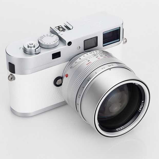 Deze prachtige witte Leica M9-P camera kost 50.000 dollar