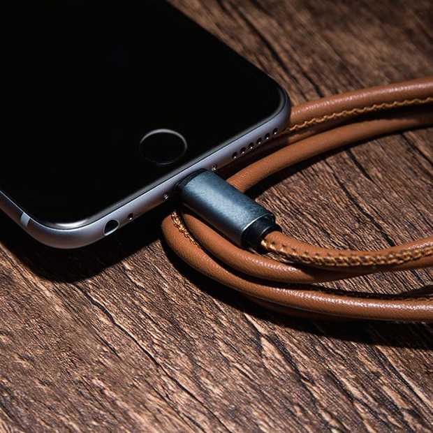 Heel handig: een iOS en Android oplader in één