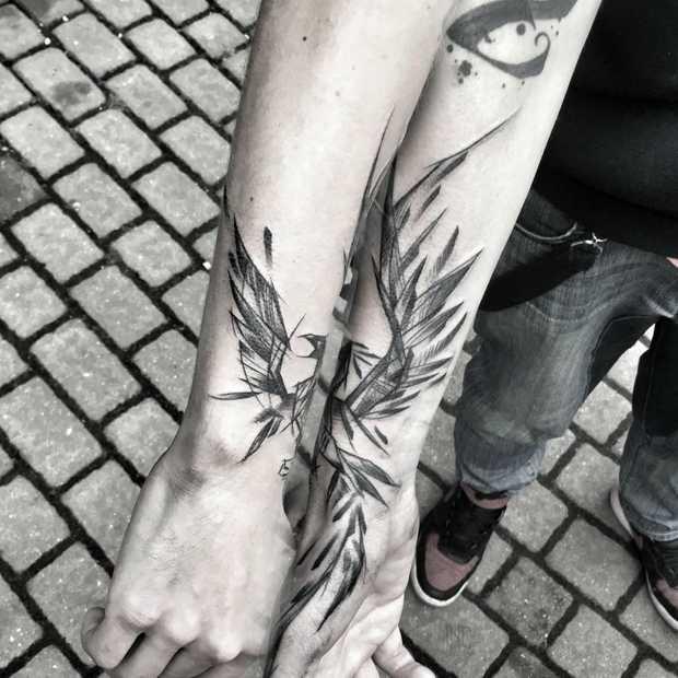 Tattoo artist Inez Janiak zet meesterlijke schetsen
