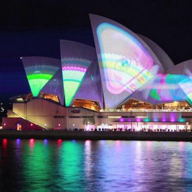 Timelapse of Vivid Sydney 2011