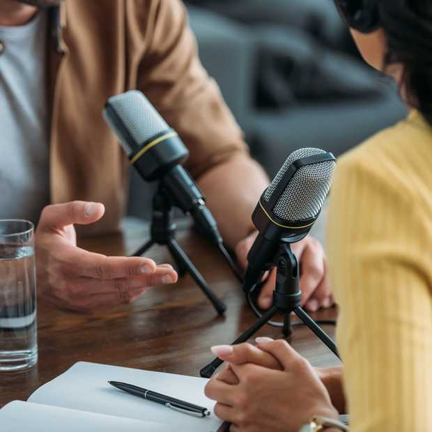 Voor wie zich verveelt: acht toffe podcast luistertips