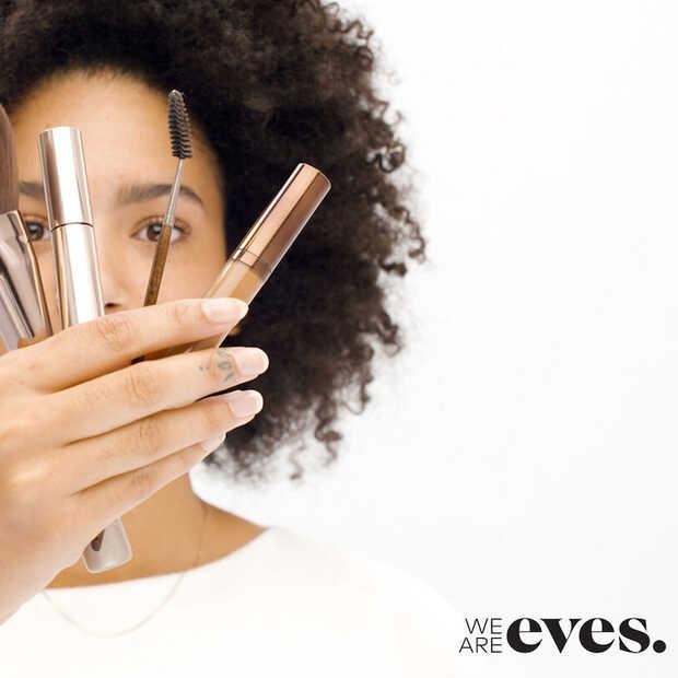 Eerlijke cosmetica reviews vind je bij We Are Eves