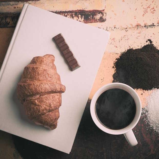 Deze wekker heeft een geur van koffie en croissants